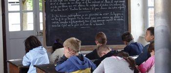 Exposition | Sarrau noir et bras croisés Saint-Nicolas-du-Pélem