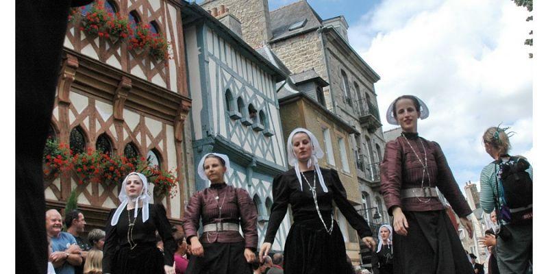 Festival de la danse bretonne et de la Saint-Loup : Concours  national de la danse bretonne et fest-noz