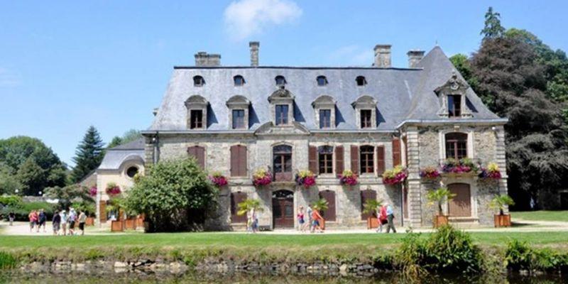 Expositions dété au Château de Tronjoly