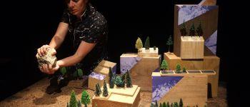 L'appel du Dehors : théâtre et objets, production Lillico Treillières