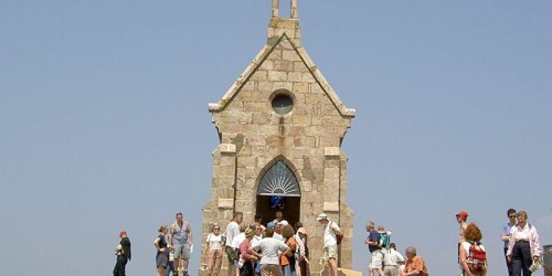 Découverte de lIlot et de la chapelle Saint-Michel