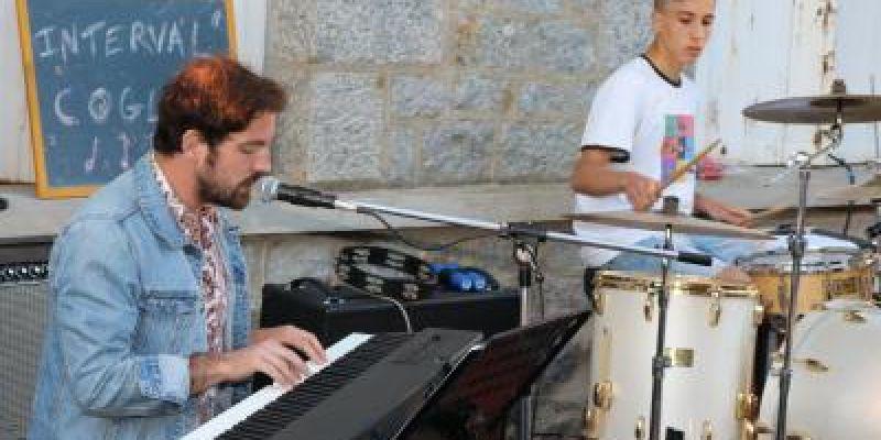 Concert de musiques actuelles à Saint-Brice-en-Coglès (Maen Roch)