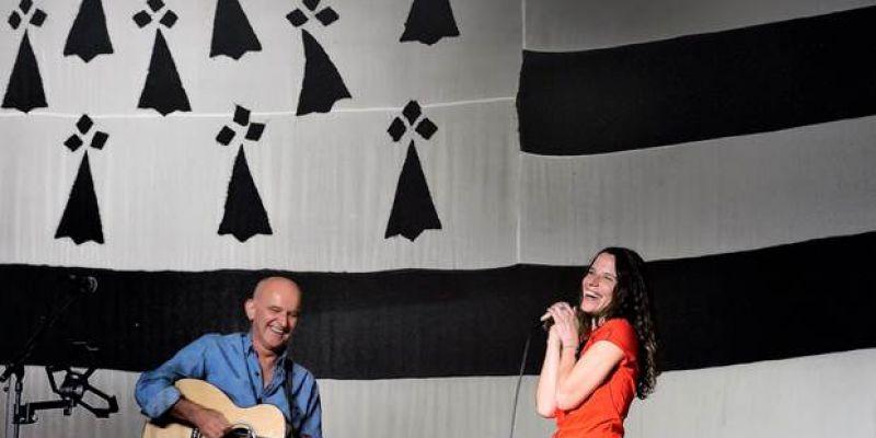Dan Ar Braz Trio Invite Clarisse Lavanant