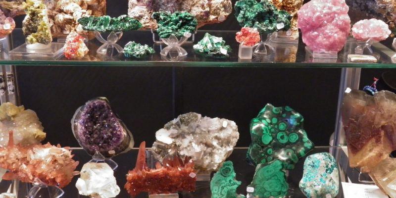 20ème bourse exposition de minéraux ,  bijoux , gemmes et fossiles , trésors de la terre