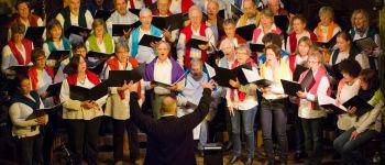 Chants du monde avec la Chorale Rive Gauche au \Noël des Créateurs\  LANNION